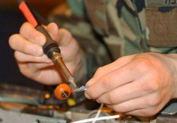 Які додаткові інструменти потрібні для паяльника?